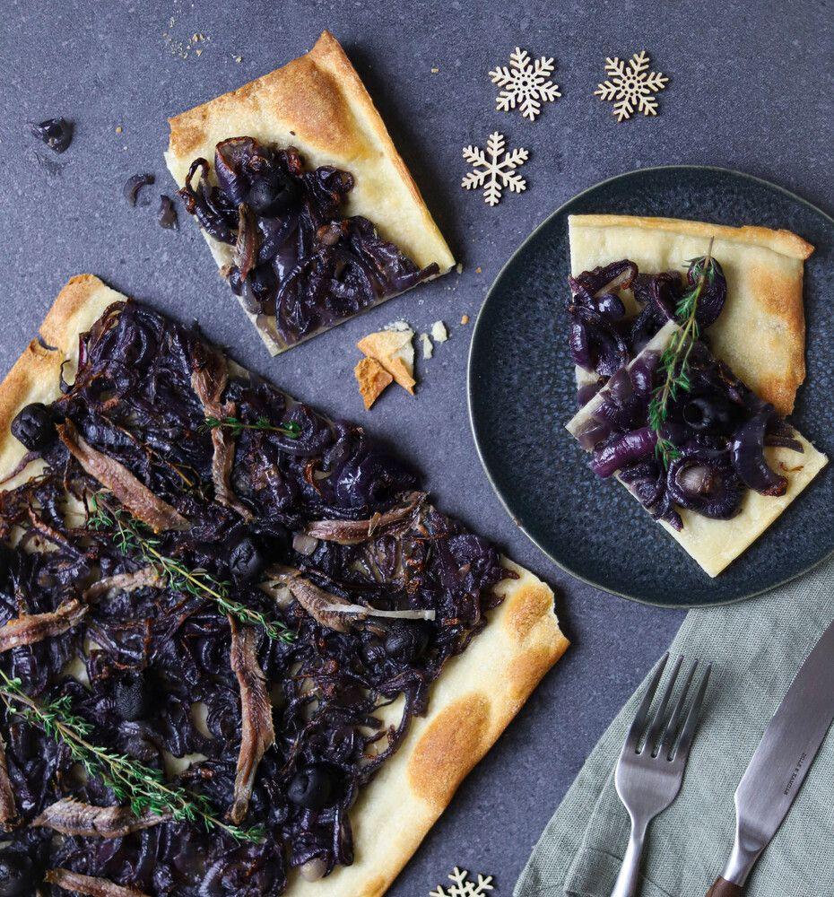 Pissaladiére met ansjovis en olijven