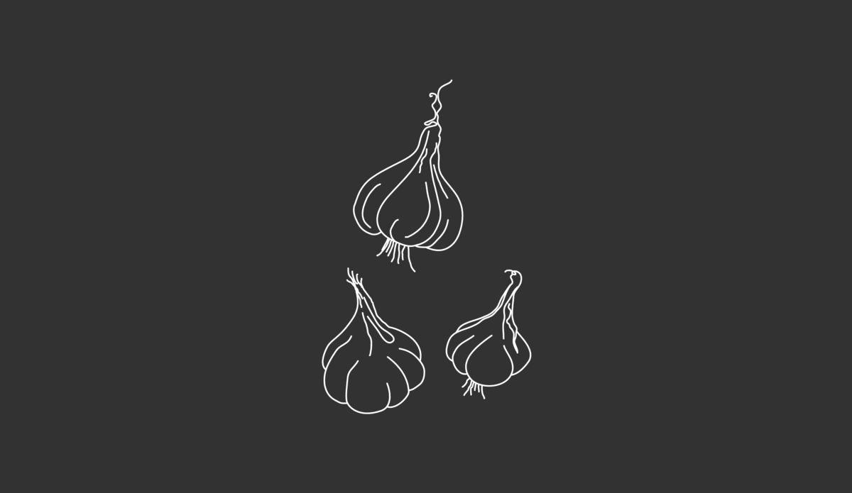 Keukengeheim: Snel knoflook pellen met een glazen pot