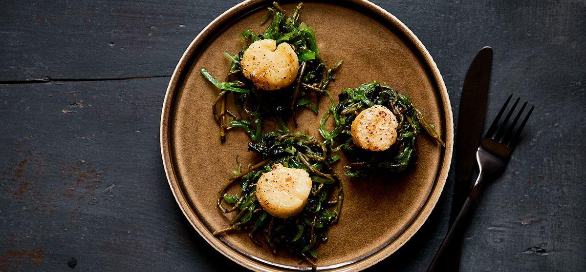 Seared Scallops with Warm Seaweed Salad