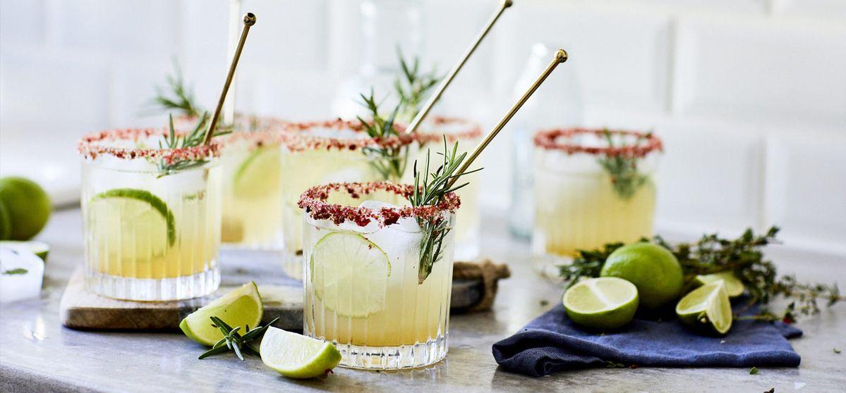 Wodka-Lemon-Kräutercocktail