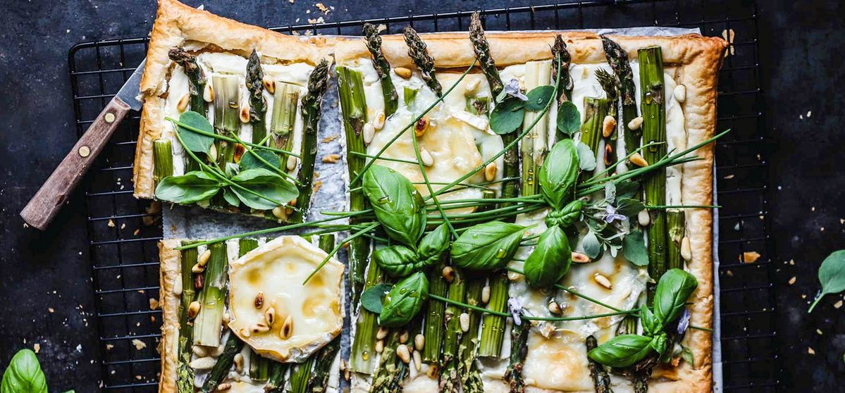 Asparagus tart with goat cheese, honey and spring herbs